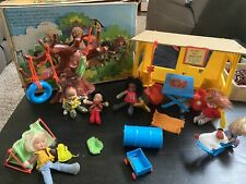 Mattel Honey Hill Bunch #9373 1975 Clubhouse with 6 Dolls And Paperwork