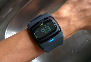 MiO Alpha 2 Heart Rate Sport Watch with Med/Large Strap Length + USB charger