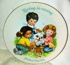 "Avon 1989 Mother's Day Plate ""Loving Is Caring"" Collectible 5"""