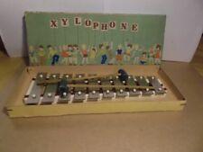 Xylophone für Kinder aus den 60iger. Grösse : 10,3 x 25,5 x 2,5 ( cm ).