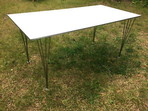FRITZ HANSEN Original B 438 Tisch weiß alu 80 x 160, Arne Jacobson Piet Hein M.