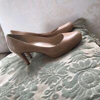 Cole Haan Beige Leather Round Toe Heels Pumps Shoes B SZ 7.5 B