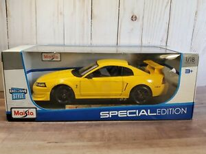 Maisto 2000 Ford Mustang SVT Cobra 1:18 Scale Diecast Model Car Exclusive Style