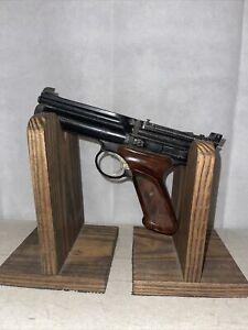 Vintage Crosman Model 600 Semi Automatic .22 Cal Pellet Pistol UNTESTED