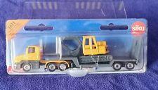 SIKU #1611 Cab Low Loader & Excavator Mint Boxed Diecast Model JCB 1/63