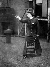 8x10 Print Police woman Posing wih Pointed Gun Bobby Stick #04254u