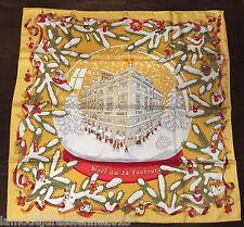 COLLECTOR : foulard Hermès intitulé NOEL AU 24 FAUGOURG neuf dans sa boîte RARE