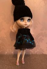 Blythe Doll Outfit - Embroidered Lace Skirt, Knitted Top & Hat Set