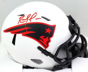 Randy Moss Autographed NE Patriots Lunar Speed Mini Helmet- Beckett W *Red