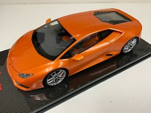1/12 AutoArt Lamborghini Huracan LP 610-4 Borealis Orange 12098 on  Carbon base