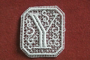 Oblong letter/initial Y - sew-on lace motif/applique/patch/craft/card making