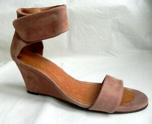 Chie Mihara Fruala Ante Peach Suede Wedge Sandals 39 UK 6 NEW Boxed.