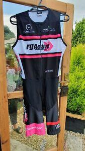 Ladies QUEST Sportswear padded cycling/triathlon bib shorts, Size Medium.