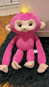Fingerling Huggable Pink Yellow Hair Battery Operated Interactive Toy Talk ©2018
