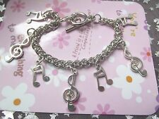 BRACELET 7 MUSIC NOTE CHARMS THIS FITS AGE 7 TO 10 YEARS Gift Box PARTY BIRTHDAY