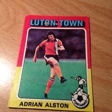 Topps 1975/76 rouge/gris dos carte #203 - Adrian Alston de Luton Town