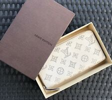 Auth Louis Vuitton Mahina Zippy Ivorie Ivory Wallet Silver $1,310
