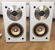 NEW Auna Germany Pair Of Passive 100W Hi-Fi Bookshelf Speakers Audio White