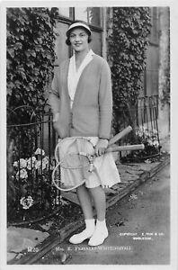 POSTCARD  TENNIS  MISS  EILEEN FEARNLEY - WHITTINGSTALL   -  (  E TRIM & CO )