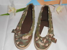 JC Penney Girls Camouflage Slip-On Canvas Shoes Sneakers 5 NWT