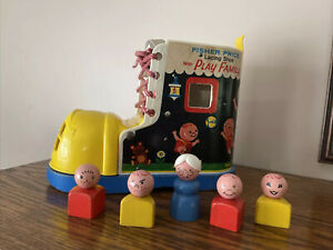 Fisher-Price Lacing Shoe Play Family with 6 Little People Vintage 1965 #136