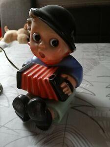 Hummel Goebel Rauchverzehrer Junge aus Porzellan