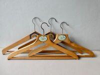 4 cintres de magasin, en bois, Rationnel et Le Cerf, vintage années 60