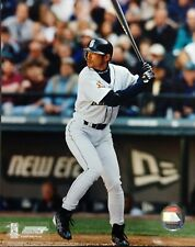 ICHIRO SUZUKI 2002 Seattle Mariners 8X10 ACTION PHOTO #2 Seattle Mariners