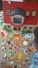 Playmobil 4279 Einfamilienhaus mit Möbeln+Figuren Wohnhaus Haus
