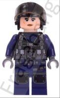 LEGO 75926  Jurassic World Female Tracker Minifigure  (Split from set 75926)