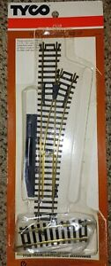 HO SCALE TYCO #911-7 RIGHT HAND SWITCH  NOS (F2)