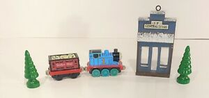 Lot of Train set Parts, Thomas Engine, Sodor Mail car, 2 Trees & Storefront Prop