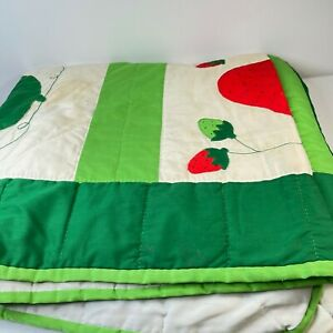 vintage quilt blanket strawberries floral full 86x74 green red handmade