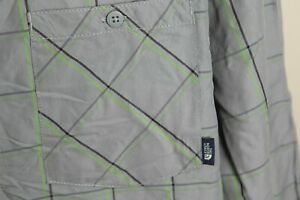 The North Face Men's gray, green & black vented long sleeve shirt 2XL XXL EUC
