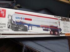 AMT/Matchbox PK6606 Fruehauf gas tanker.  Union 76.  1/25th scale.