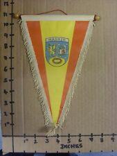 Circa 60/70's Madrid: seda estilo Banderín Con Madera Barra en la parte superior (artículo es imagen