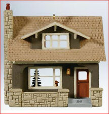 2011 Hallmark NOSTALGIC Houses & Shops #28 Ornament ARTS and CRAFTS BUNGALOW
