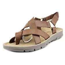 Calzado de mujer sandalias con tiras de tacón bajo (menos de 2,5 cm) de color principal marrón