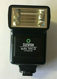 Sunpak auto 144D Thyristor Flash Dedicated for Nikon, Canon, Minolta, Pentax, Om