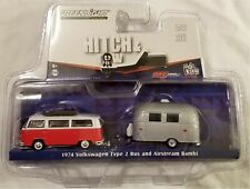 Greenlight - 1:64 Hitch & Tow 1974 VW Type 2 Bus & Airstream Bambi (BBGL51035R)