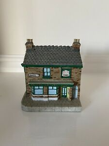 Classic Collectables - Rovers Return Resin Model Coronation Street
