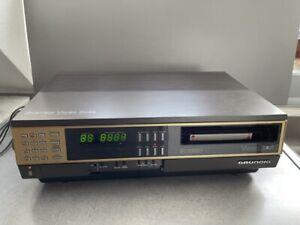 GRUNDIG Video 2000 Videorecorder 2 x 4 Stereo Modell 880