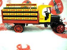 ERTL 1994 COCA COLA DIE CAST KENWORTH DELIVERY TRUCK BANK COKE CRATES #B397 VTG!