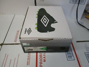 UMBRO SOCCER CLEATS YOUTH SIZE 2 BLACK / WHITE / GREEN NEW FAST / FREE SHIPPING