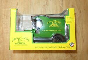 John Deere 1912 Ford Model T Delivery Van 1/24  in box