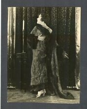 DRAMATIC GLORIA SWANSON LINEN-BACKED PHOTO FROM THE SILENT ERA - SIL
