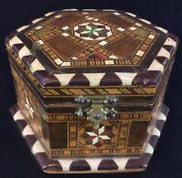 Ancienne boite à bijoux hexagonale en bois et marqueterie fine