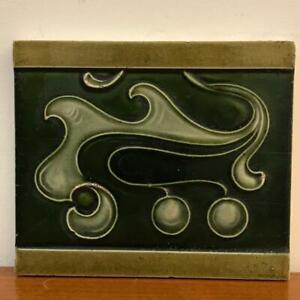 Jugendstil Fliese Kachel = Tonindustrie Offstein = 15 X 12,8 cm