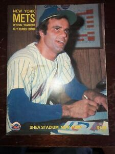 1977 NEW YORK METS OFFICIAL BASEBALL YEARBOOK REVISED EDITION