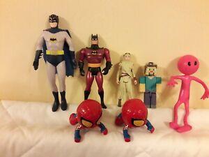 Bundle of small figures.